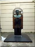 TQ2882 : John F Kennedy Bust, Marylebone Road by PAUL FARMER