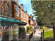 TQ8833 : High Street, Tenterden by Paul Gillett