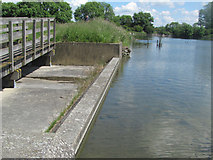 SP9113 : Tringford Reservoir is almost full! by Chris Reynolds