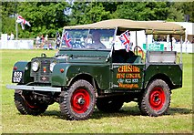 SJ7177 : Vintage Land Rover at the Cheshire Show by Jeff Buck