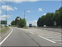 TQ0999 : Leavesden exit, A405 by Peter Whatley
