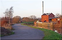 SO8277 : Staffs & Worcs Canal and old industrial buildings, Kidderminster by P L Chadwick