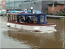 SO8554 : Worcester & Birmingham Canal at Diglis with Simba by Chris Allen