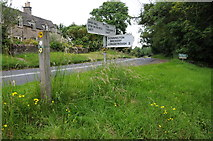 SP1726 : Road junction on the B4077 by Philip Halling