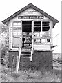 O0390 : Former Dromin Jct signal cabin by Albert Bridge