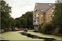 TQ2482 : Grand Union Canal by Richard Croft