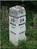 TM1579 : Old Milestone by Keith Evans