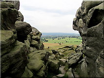 SE2648 : Gap in Almscliff Crag by Chris Heaton