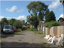 TQ0464 : Fernbank Road by Alan Hunt