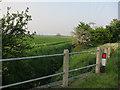 TL3266 : Footpath along ditch by Hugh Venables