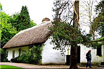 R4560 : Bunratty Folk Park - Site #7 - Shannon Farmhouse by Suzanne Mischyshyn