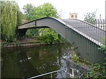 SE1039 : Pipe bridge over the River Aire, Bingley by Humphrey Bolton