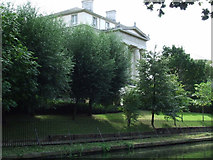 TQ2783 : Large house by Regent's Canal by Thomas Nugent