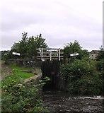 SE1115 : Huddersfield Narrow Canal, Milnsbridge by Bobby Clegg