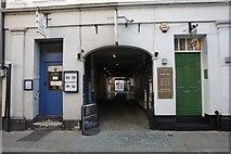 SU7682 : An old Entrance by Bill Nicholls