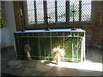 ST6601 : St Mary, Cerne Abbas: main altar by Basher Eyre