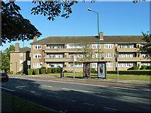 TQ1986 : Flats, Newland Court by Robin Webster