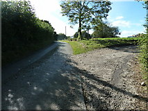 SU8315 : Footpath turning off lane by Yew Tree Cottage by Dave Spicer