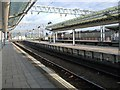 SJ8597 : Platforms at Manchester Piccadilly Station by Paul Gillett