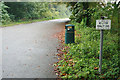 TF5462 : Lay-by with litter bin and NO LITTER sign by David Lally