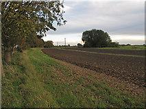 TQ9293 : Arable field by Roger Jones