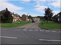 TQ1666 : Bankside Drive, Long Ditton by Hugh Venables