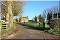 SE9943 : Bygot House Farm Entrance by Peter Church