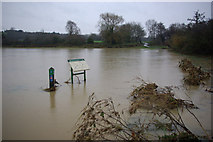 SP3365 : Floodwater at Newbold Comyn by Stephen McKay