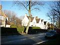 TA1030 : James Reckitt Avenue, Hull by Ian S