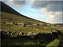 F6307 : Extensive view of the Deserted Village, Slievemore by Pamela Norrington