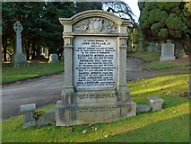NS4075 : The Gilfillan Memorial by Lairich Rig
