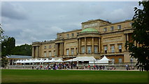 TQ2879 : Buckingham Palace, West Facade by Richard Cooke