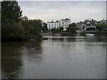 TQ1673 : River Thames by Shaun Ferguson