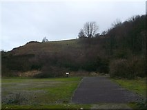 TR3140 : Drop Redoubt Road, Great Western Heights (2) by David Anstiss