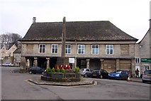 SO8700 : The War Memorial and Market House by Steve Daniels
