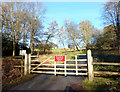 SU7283 : No Access to Greys Court by Des Blenkinsopp