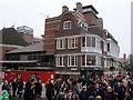 TQ3280 : The Swan pub, Bankside by Stephen Craven