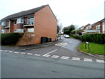 ST3091 : 20mph speed limit in Larch Court, Malpas, Newport by Jaggery