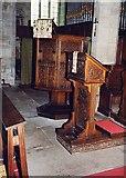 SO3958 : St Mary, Pembridge - Pulpit & lectern by John Salmon