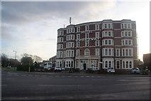 SD4464 : Hotel Broadway by Bill Boaden