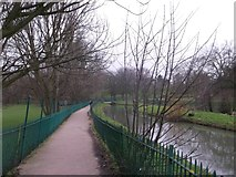 TQ3187 : Path beside New River, Finsbury Park by David Anstiss