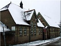 TL1314 : St Nicholas School by Thomas Nugent