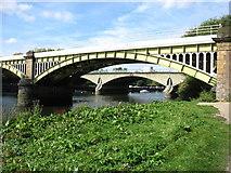 TQ1774 : Two bridges at Richmond by David Purchase