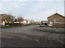 SU6676 : Waterside Drive by Bill Nicholls