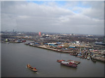 TQ3980 : View of the Thames from the Emirates Air Line #3 by Robert Lamb