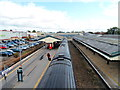 ST9273 : From footbridge to footbridge, Chippenham railway station by Jaggery
