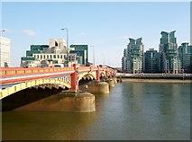 TQ3078 : Vauxhall Bridge by Robin Sones