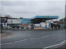 SJ8195 : Car wash, Firswood by JThomas