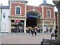 SP4540 : Castle Quay Shopping Centre, Banbury by Paul Gillett