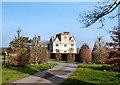 SU3980 : Fawley Manor by Des Blenkinsopp